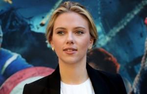 Scarlette Johansson souffre de problèmes d'acné